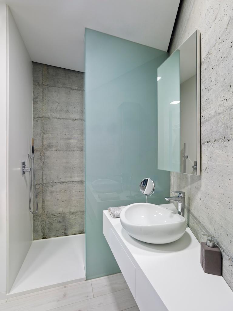 Mamparas y muebles de baño a medida